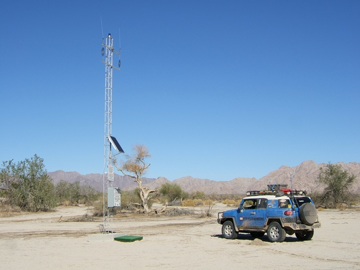 a flashing blue light in the desert often means water or help